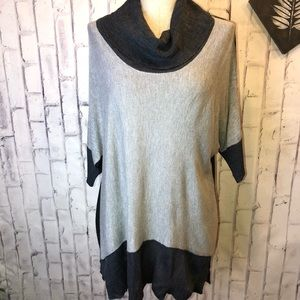 Black gray 3/4 sleeves cowl neck knit tunic